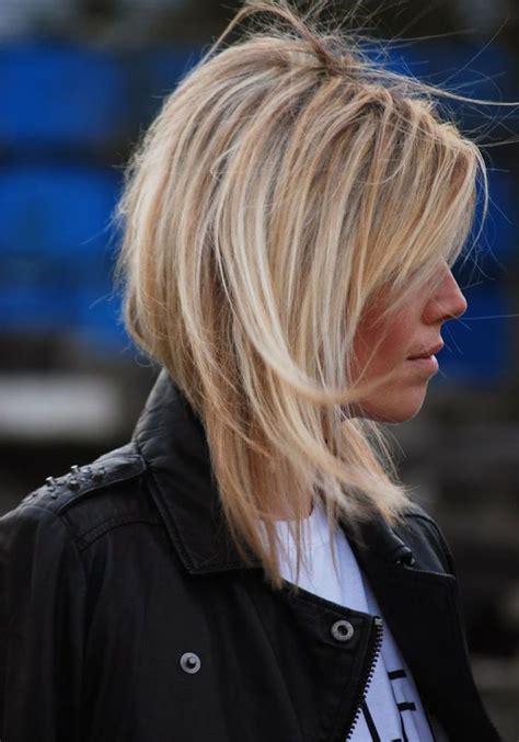 Idu00e9e Coiffure  coupe cheveux carru00e9 plongeant long blond coiffure femme - Madame.tn - Magazine ...