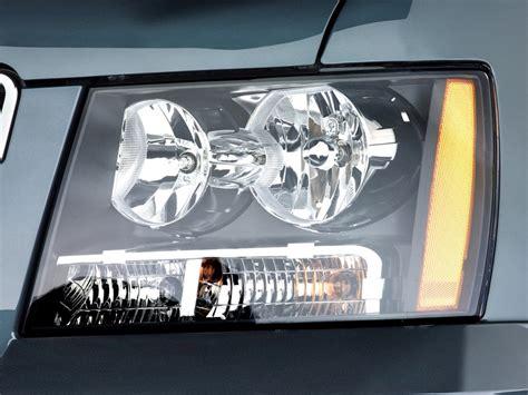 image 2011 chevrolet tahoe 2wd 4 door 1500 ls headlight