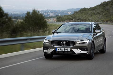 Volvo Showcases New V60 Model