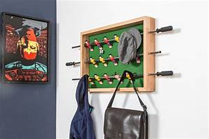Garderoben Selber Bauen : kicker garderobe f r fu ballfans diy academy ~ A.2002-acura-tl-radio.info Haus und Dekorationen
