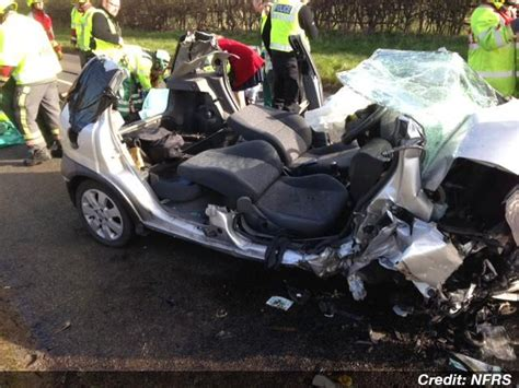 DRAMATIC PICTURES: Crash scene after head-on collision ...