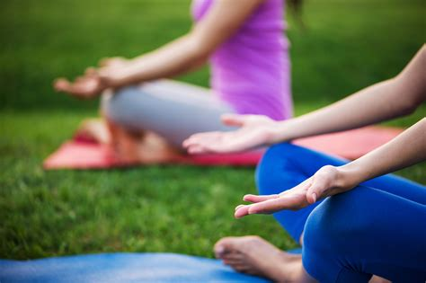 Outdoor Yoga In NYC Your Guide To The Best Open Air Classes