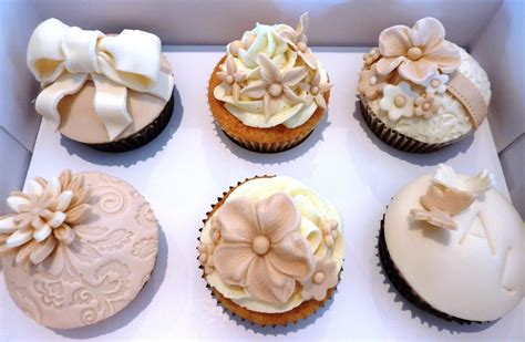 cupcake designs vanilla lily cake design wedding cupcakes