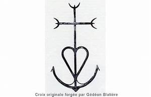 Tatouage Ancre Signification : croix de camargue croix camarguaise croix de camargue ~ Nature-et-papiers.com Idées de Décoration