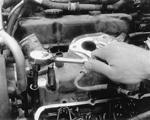 Service Manual  1996 Isuzu Hombre Intake Manifold Removal