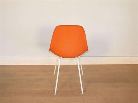 chaise charles eames dsw chaise eames fibre de verre 28 images the s