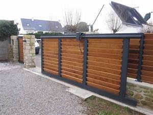 Portail Alu Coulissant : portail aluminium coulissant remplissage bois portails ~ Edinachiropracticcenter.com Idées de Décoration