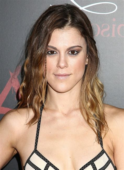 lindsey marie shaw long ombre wavy hairstyle  thin hair styles weekly