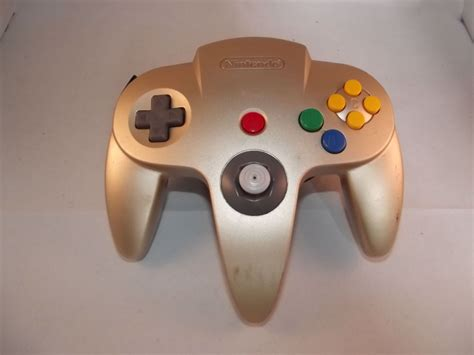 nintendo   controller gold limited edition