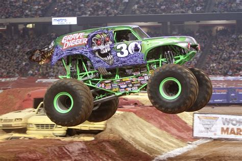 grave digger monster truck 30th anniversary grave digger 30th anniversary gravedigger pinterest