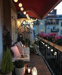 Lichterkette Balkon Sommer : ber 50 kreative einrichtungsideen zur balkongestaltung im ~ A.2002-acura-tl-radio.info Haus und Dekorationen
