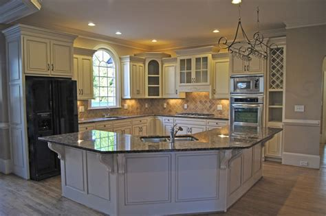 batwing kitchen island creative cabinets and faux finishes llc traditional 1514