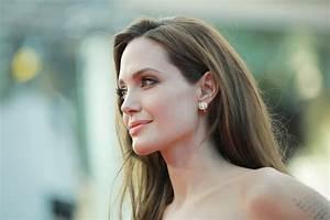 Angelina Jolie passe sous le scalpel pour lutter contre la ...