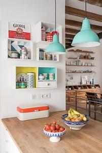 Vintage Deko Küche : k chendeko im vintage look mit upcycling weinkisten regalen und deko in frischen farben home ~ Sanjose-hotels-ca.com Haus und Dekorationen