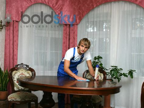cleaning houses under the table tips to clean your dining room table boldsky com