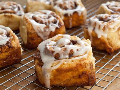 quick cinnamon buns  buttermilk glaze    chef