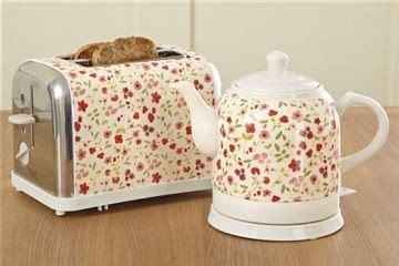 shabby chic kettle and toaster next floral ceramic kettle 163 30 next floral toast 163 25 163 55 tea for two pinterest ceramics