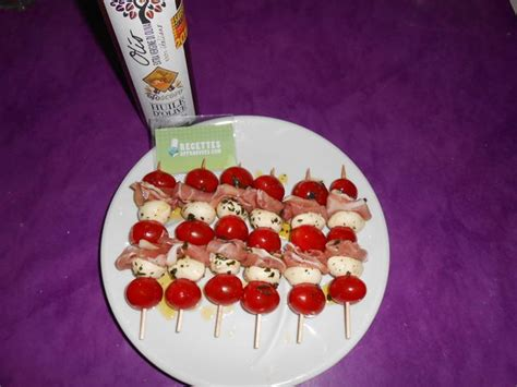 cuisine automne brochettes tomates mozzarella et jambon cru avec huile