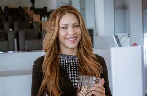 pop star shakira participates  wise summit   qatar