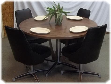 Chromcraft Furniture Dining Sets by 11 Best Images About Decorating Ideas On