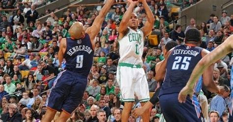 Avery Bradley is suddenly a deadly three-point shooter ...