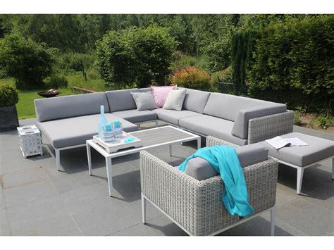 canap d angle de jardin salon de jardin en résine tressée avec canapé d 39 angle
