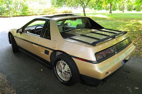 1986 Pontiac Fiero V6 For Sale