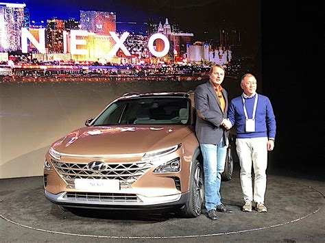 Hyundai Nexo Will Deliver 370 Miles on Tank of Hydrogen ...