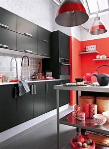 cinq couleurs tendances pour les murs de cuisine With attractive idee deco bureau maison 10 repeindre un meuble en bois idees et conseils