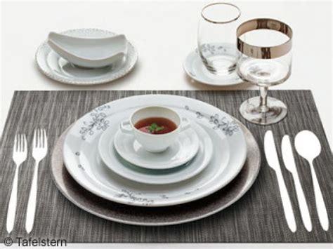 Tafelknigge Perfekt Den Tisch Decken  Eat Smarter