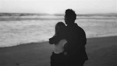 Couple Blanc Noir Et Plage Romantique Sur
