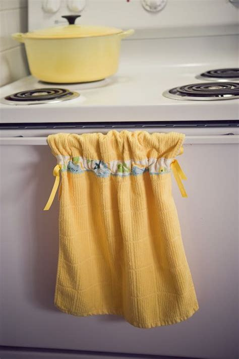 Kitchen Towels That Hang by 1000 Images About Hanging Towel On The