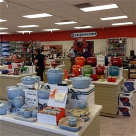 le creuset outlet sc le creuset outlet store outlet stores yemassee sc yelp
