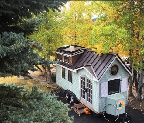 Tiny Homes On Wheels by A Beautiful Tiny House On Wheels In Dallas Built By Its