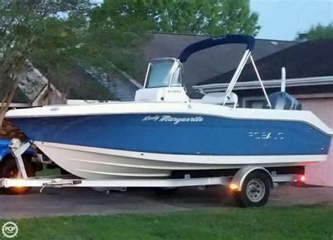 Used Center Console Boats For Sale by 2013 Used Robalo R200 Center Console Center Console