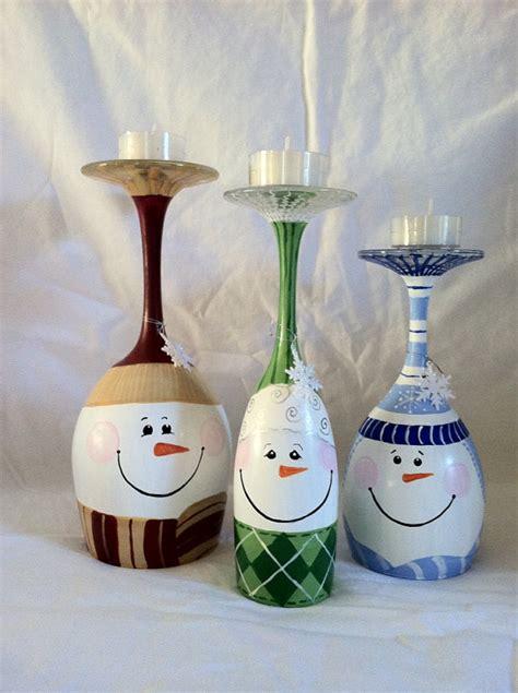 candelabros ecologicos hechos  copas de vino viejas