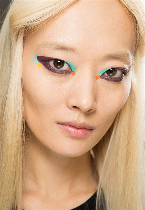 runway beauty festival makeup  fendi aw  makeup