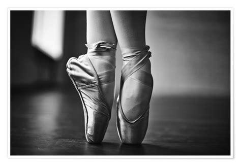 ballerina fuesse waehrend der probe poster poster