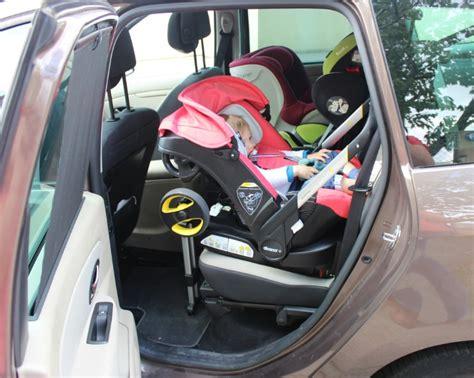 siege auto qui pivote un siège auto qui fait poussette le rêve devenu réalité