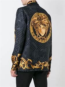 Kleidung Billig Online Kaufen : versace seidenhemd mit barock print herren kleidung versace pullover online kaufen schwarz ~ Yasmunasinghe.com Haus und Dekorationen