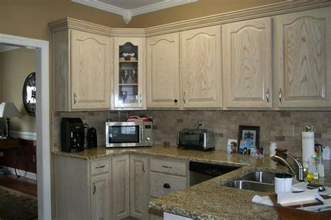 picking color to paint kitchen cabinets pic