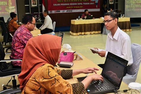 Sementara pengumuman kelulusan bagi yang lulus tes seleksi skd dan skb akan diberikan pada minggu keempat november 2018. Wujudkan Seleksi CPNS yang bebas KKN, Kanwil DKI Jakarta ...