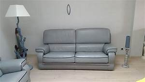 Teindre un canape en cuir vert table de lit a roulettes for Teindre un canapé en cuir vert