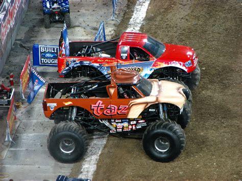 monster truck show south florida monster jam raymond james stadium ta fl 004