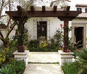 Design Your Entrance Pergola for Colourful Welcome
