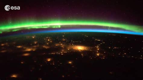 stunning timelapse shows  aurora borealis  space