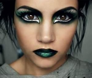 Make-up: punk, punky, cat eye, dark, halloween, witchy ...