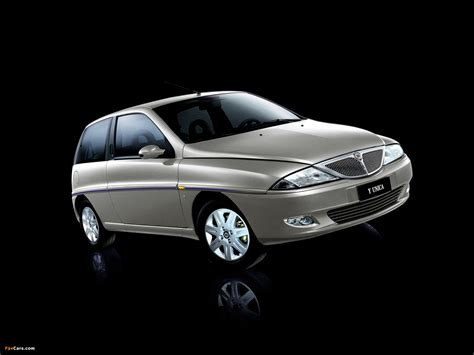 Lancia Ypsilon Unica 2002 photos (1600x1200)