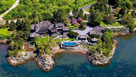Luxury At The Lake House - Haute Residence: Featuring the ...