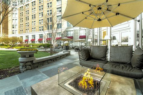Mandarin Oriental Offers Free Flowing Veuve Clicquot And